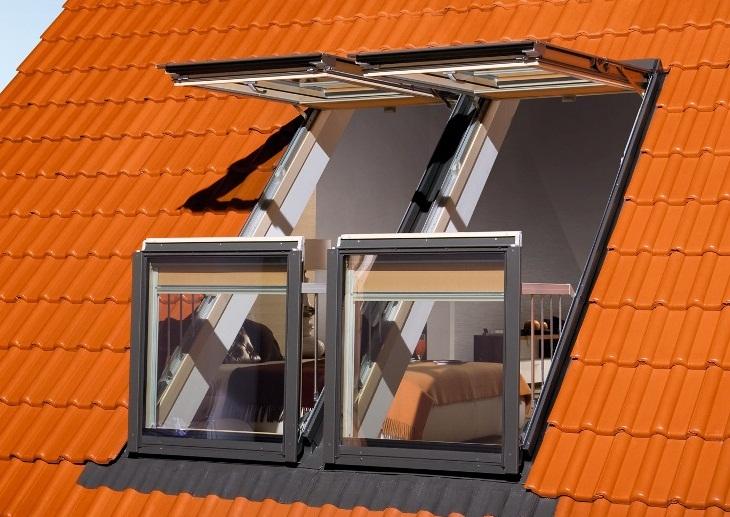 Мансардне вікно вид з вулиці
