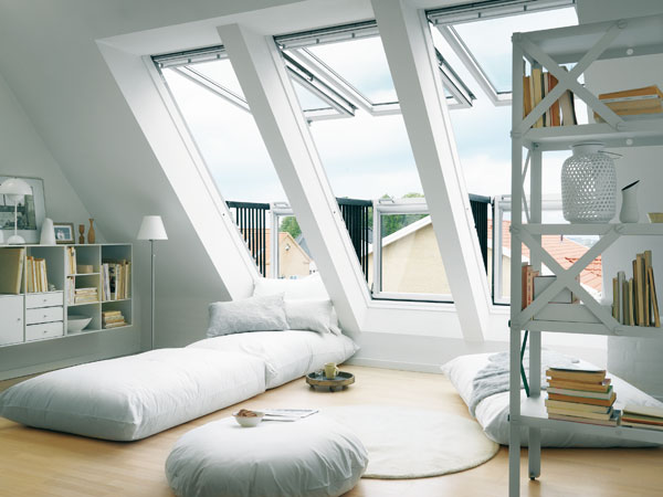 Мансардне вікно вид з кімнати